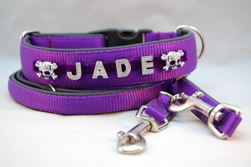 Namenshalsband violett
